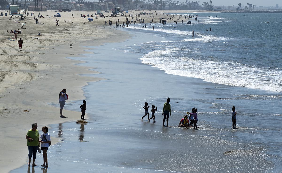 Update City Reopens Beaches Near Belmont Pier After 9 000 Gallon Sewage Spill Long Beach Post News