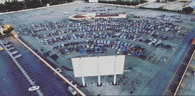 L A Gone Country Garth Brooks To Bring Drive In Theater Concert To Paramount The Hi Lo