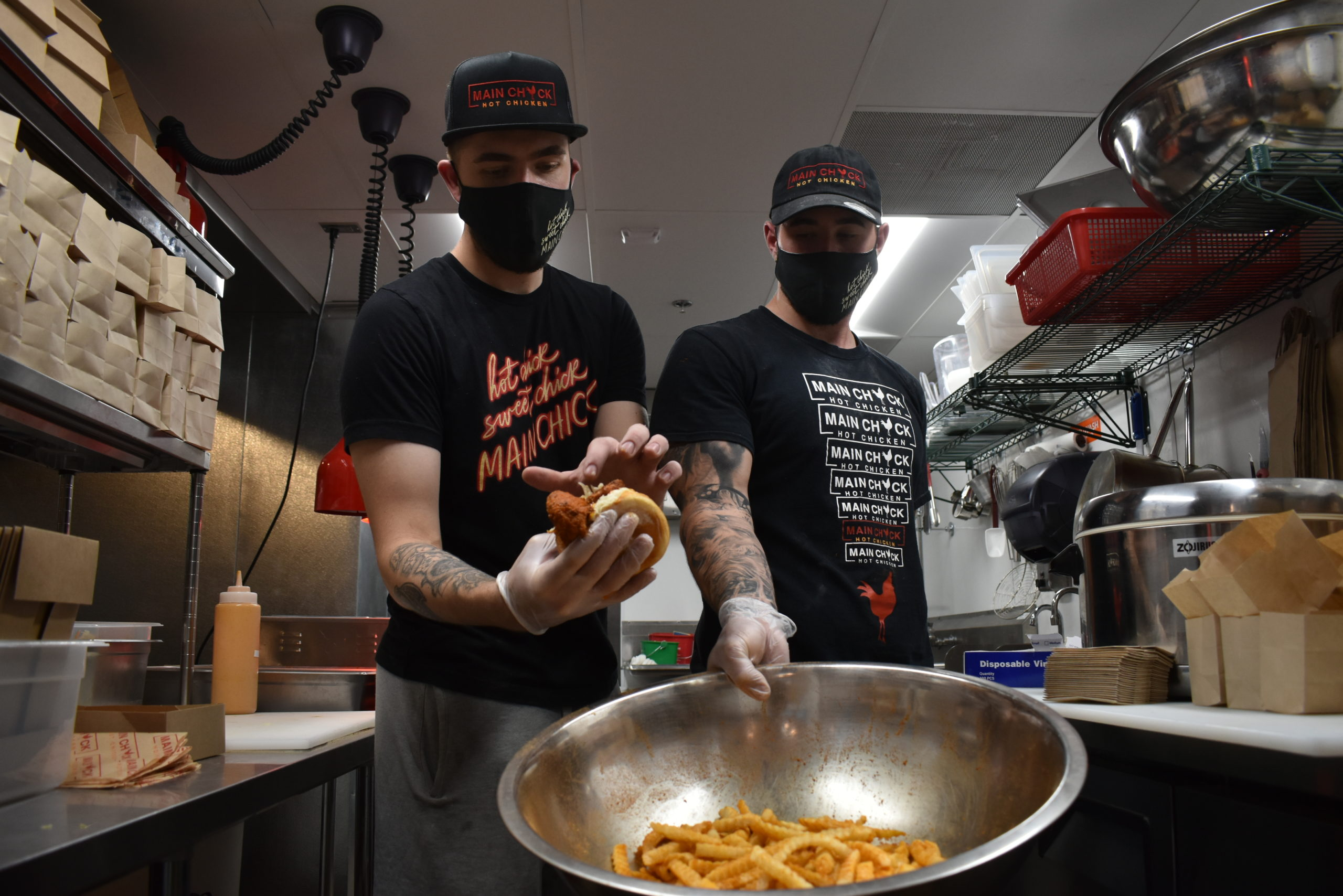Asian fusion, fried chicken restaurants celebrate grand opening in North Long Beach • the Hi-lo