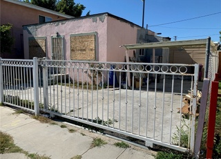 A house in Long Beach that's a steal at $375,000—but would ...